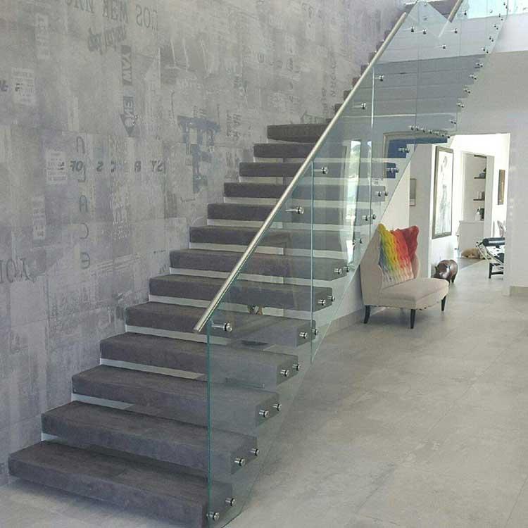 Revestir escaleras con microcemento es una buena idea for Jaula de la escalera de color idea
